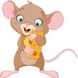Mysz trzyma kawałek ser Fotografia Stock