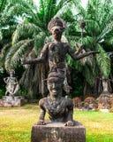 Mythologie en godsdienstige standbeelden bij Wat Xieng Khuan Buddha-park royalty-vrije stock afbeelding
