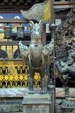 Mythologisch dier in Boeddhistische tempel stock afbeeldingen