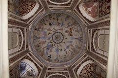 Mythologische schilderijen op het plafond van chhatri van Datia-Koning Datia was vroeger een staat in het Bundelkhand-gebied foun stock afbeelding