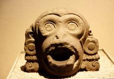 Mytologisk varelse - stendetaljer i museet av antropologi i Mexico - 2 royaltyfri bild