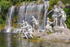 Mytologiska statyer för nymfer royaltyfria foton