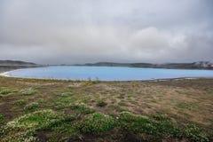 Myvatn-Naturbäder nähern sich See Myvatn im Norden von Island stockbilder