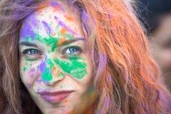Nápoles, Italia, el 12 de septiembre de 2015: Festival de Holi de colores Un par Foto de archivo libre de regalías