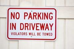 Não estacione na entrada de automóveis fotografia de stock