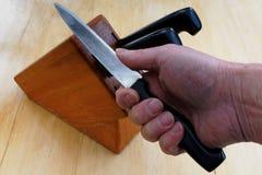 Não a faca a mais afiada no bloco imagens de stock