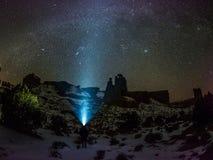 Nächtlicher Himmel, Galaxie-Milchstraße, Konstellationen und Sterne Lizenzfreie Stockfotos