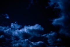 Nächtlicher Himmel, Halloween-Hintergrund Lizenzfreies Stockbild