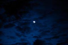 Nächtlicher Himmel, Halloween-Hintergrund Stockfotos