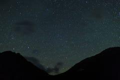 Nächtlicher Himmel mit Sternen Stockbild