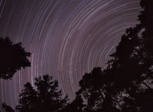 Nächtlicher Himmel, Sternbewegen. Stockbild