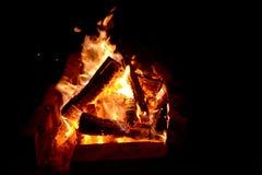 Nächtliches Feuer Stockbild