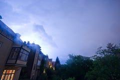 Nächtliches Gewitter über Wien-Vororten Lizenzfreie Stockfotos