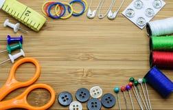 Nähende Ausrüstung für Nadelarbeit Stockfotografie