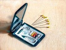 Nähende Ausrüstung und Stifte der Straße Lizenzfreies Stockbild