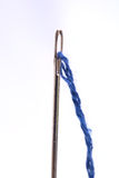 Nähende Nadel mit einem Gewindeabschluß oben Lizenzfreie Stockfotografie