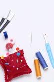 Nähendes Werkzeug-, Herstellen und Modekonzept Lizenzfreie Stockfotos