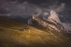 Nähernder Sturm in der schönen Gebirgslandschaft Stockfoto