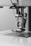 Moderne Nähmaschine Lizenzfreies Stockfoto