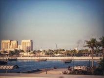 När Arabian Sea möter Qatar royaltyfria foton