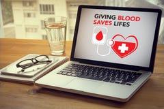 När DU GER BLOD SPARAR LIFES-bloddonation ger liv Arkivfoton