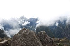 När incasna avgör att snida bergen i en vagga fotografering för bildbyråer