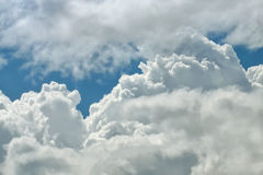 Nära övre bakgrund för moln Royaltyfria Bilder
