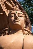 Nära övre bild av en Buddhastaty på den forntida staden i Samutprakan royaltyfri fotografi