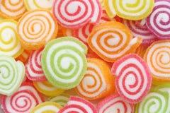 Nära övre grupp av marshmallowen med gelatinefterrätten Fotografering för Bildbyråer