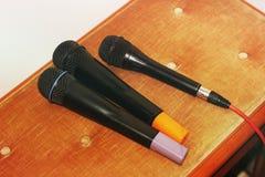 Nära övre mikrofoner royaltyfria bilder