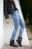 Nära kvinnlig jeans Royaltyfria Foton