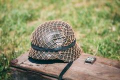 Nära metallhjälm av infanterisoldaten av Wehrmacht, Nazi Germany Arkivbild