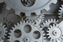 Nära sikt av den gamla klockamekanismen med kugghjul och kuggar Begreppsmässigt foto för din lyckade affärsdesign royaltyfri fotografi