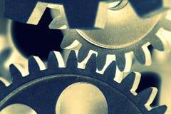 Nära sikt av den gamla klockamekanismen med kugghjul och kuggar Begreppsmässigt foto för din lyckade affärsdesign fotografering för bildbyråer