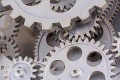 Nära sikt av den gamla klockamekanismen med kugghjul och kuggar Begreppsmässigt foto för din lyckade affärsdesign arkivbild