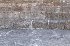 Nära sikt av historisk slotttrappa för gammal byggnad som går upp Royaltyfri Foto