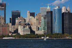 Nära sikt av i stadens centrum Manhattan östlig horisont Arkivbilder