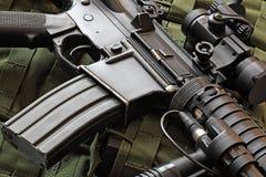 Närbild av (AR-15) karbinen M4A1 Fotografering för Bildbyråer