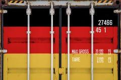 Närbild av behållaren med nationsflaggan arkivfoto