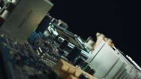 Närbild av brädet för elektronisk strömkrets med processorn lager videofilmer