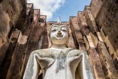 Närbild av Buddhastatyn i Wat Sri Chum Temple, Thailand Arkivfoto