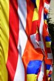 Närbild av den buddistiska flaggan Fotografering för Bildbyråer