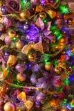 Närbild av den dekorerade julgranen Royaltyfria Foton
