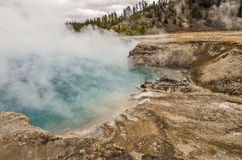 Närbild av den excelsior geyseren Arkivbilder