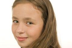 Närbild av den gulliga lilla flickan Arkivfoton
