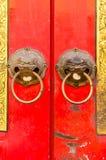 Närbild av den kinesiska dörren Royaltyfri Fotografi