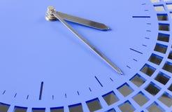 Närbild av den moderna klockan Royaltyfri Fotografi
