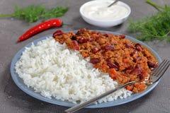 Närbild av den varma läckra chili con carne Arkivbild