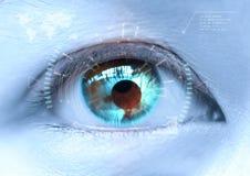 Närbild av det blåa ögat för kvinna` s det futuristiskt, kontaktlins, öga c Royaltyfri Bild