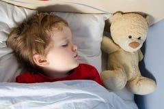 Närbild av det sova barnet Arkivbild